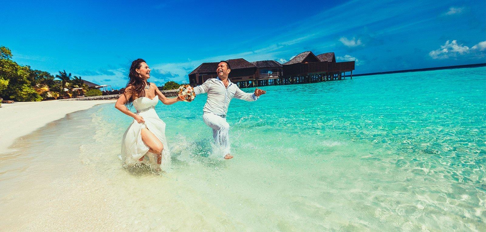 lily beach honeymoon gifts